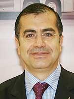 Adnan Mordeniz- Otel Müdürü