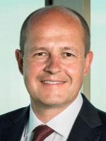 Gerhard  Struger - Otel Müdürü