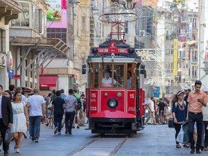 İstanbul'un gözdesi İstiklal Caddesi
