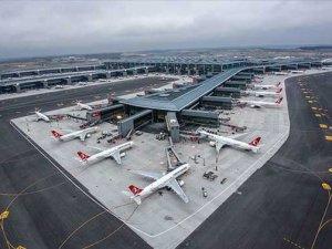 İstanbul'da katil bulutlardan yeni havalimanı etkilendi