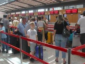 Tatilciler seçim için İstanbul'a akın edecek