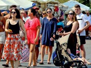 BODER: Bodrum'a, yerli ve yabancı turist akını var