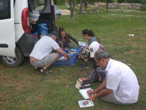 Turistlerin kitap okumaları, rol model oldu