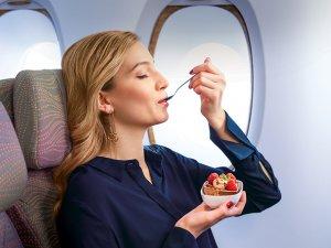 Emirates'ten Dünya Çikolata Günü'nde milyonlarca çikolata ikramı
