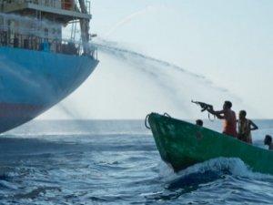 Türk gemisine korsanlar saldırdı: 10 Türk denizci rehin alındı