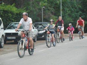 Alman bisiklet tutkunları rotalarını Antalya'ya çevirdi