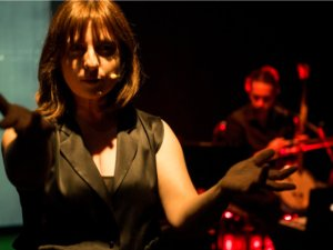 'Yüz Yılın Evi',Edinburgh Fringe Festivaliile yurtdışı basınında