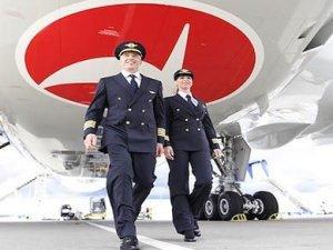 THY, B787-9 Dreamliner rüya uçağına pilot eğitiyor