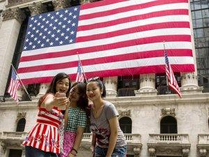 Çinliler herşeye rağmen ABD'ye seyahati tercih ediyor