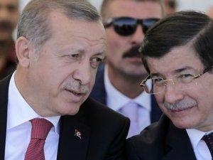 """AKP'de Davutoğlu ve ekibi """"kesin ihraç"""" istemiyle disipline sevk edildi"""
