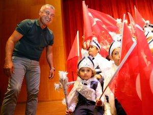 Başkan Sözen, sünnet çocuklarıyla çocukluğunu yaşadı
