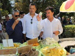 Karaova Bağbozumu Şenliği'nde yöresel tatlar yarıştı