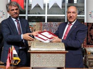 TürkiyeIrak'a tarihi miraslarını teslim etti