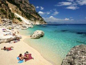 Sardinya Adası'ndan kum alanlara 3 bin euroceza kesiliyor