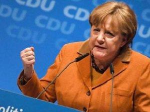 Merkel dördüncü kez kazandı