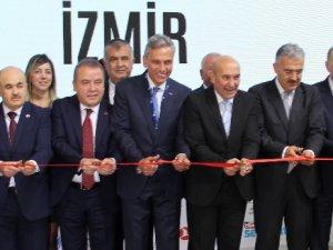Uluslararası Travel Turkey İzmir Fuarı 13'üncü kez açıldı