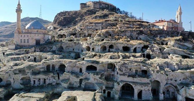 Türk turizmi tehlikeli kısır döngüde