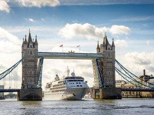 """Cruise gemileri 'dalga mevsiminde"""" tasarruflu geziler sunuyor"""