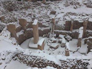 Göbeklitepe kar altında kaldı, arkeolog Schmidt isyan etti