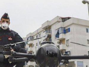 İtalya'da polis insanların ateşini drone ile öçüyor