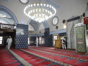 Antalya'da Cuma namazı kılınacak camiler dezenfekte edildi