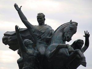 Ulusal Yükseliş Anıtı'nda eski haline döndü