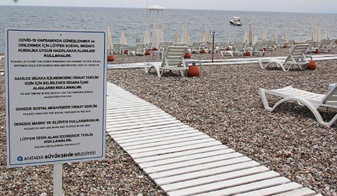 Konyaaltı Plajı virüs tedbirlere uygun düzenlendi