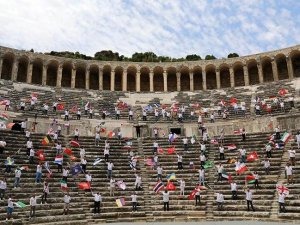 250 rehber, Aspendos'tan dünyaya 'sizi bekliyoruz' diye seslendi