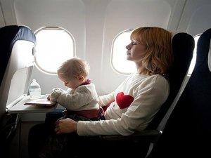 Uçaklarda 18 yaş altı gençler velisizve vasisiz uçacak