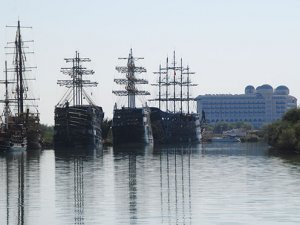 Pandemi Side'de bot ve tekne turlarını sıfırladı
