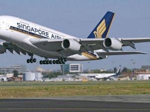 Singapur Air'den hayati görevlilere mil bağışı