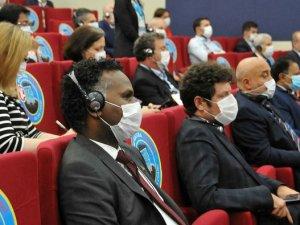Havalimanı'nda Büyükelçi ve Başkonsoloslara koronavirüs paneli