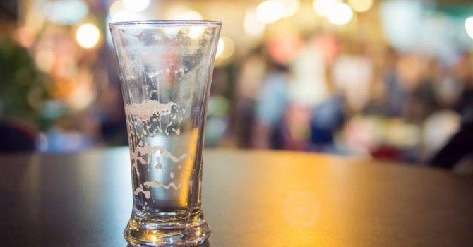 İçki satışları dünyada % 8, Türkiye'de % 6 azaldı