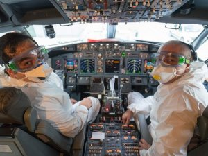 Taksiciliğe başlayan pilot ve kabin memuru var