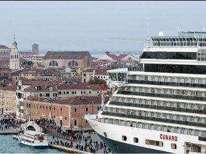 İtalya, 15 Ağustos'ta kruvaziyeri kurtarmak için adım attı