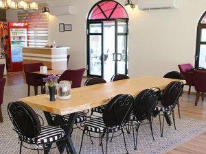 'Engelsiz Kafe' de ile 'El Sanatları Uygulama ve Satış Merkezi' açıldı
