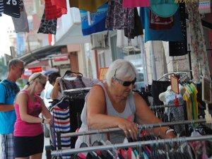 Antalya'da Rus ve Polonyalı turistler turizmcileri sevindirdi