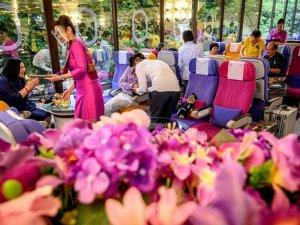 Thai Airways'den uçak yemeklerini özleyenlere restoran