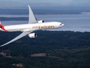 Emirates öğrencilere ve ailelerine yıl boyu avantaj sağlıyor
