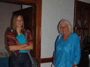 İbradı'nın güzelliklerini Alman anne ve kızı tanıtıyor