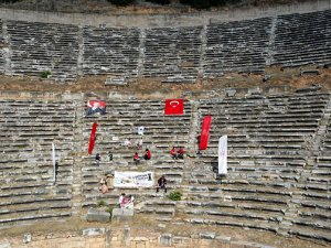 Nysa Antik Kenti'nde 2 bin yıl sonra satranç oynandı