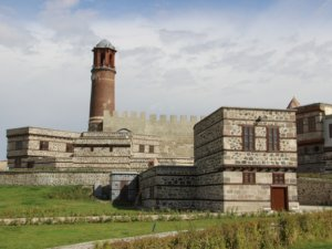 TarihiErzurum Kalesi'ninrestorasyonu tamamlandı