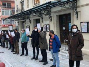 Kafe ve bar çalışanları sokağa çıktı
