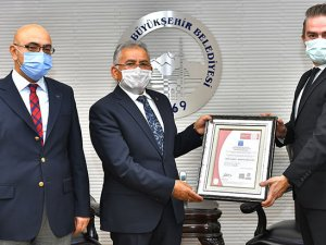 """Erciyes Kayak Merkezi """"Güvenli Kayak Merkezi"""" sertifikası aldı"""