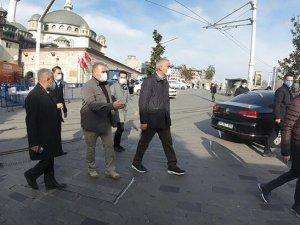Bakan Ersoy, Taksim ve İstiklal Caddesi'ni dolaştı