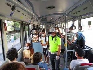 İstanbul'da 20 Yaş Altı ve 65 Yaş Üstüne Toplu Taşıma Yasağı