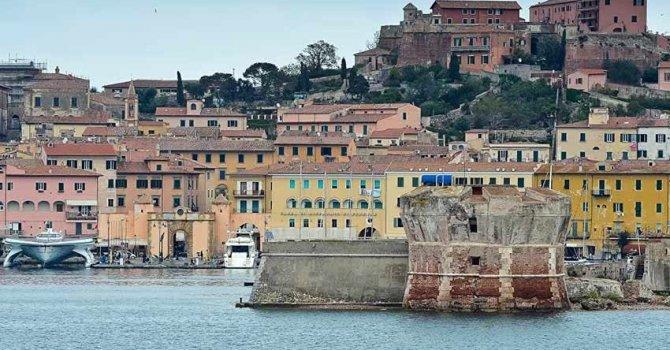 İtalya'nın güneyinde bir Euro'ya satılık evler! Yalnız tek bir şart var