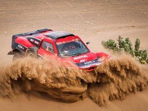 Dakar Rally'sinde Motul ekipleri zirvede yerini aldı!