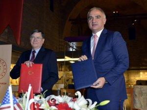 Bakanı Ersoy: ABD'ye götürülen eserlere el konulacak
