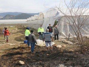 Kaş'taki çiftçilere yangın ve fırtınada zarar gören seralara destek